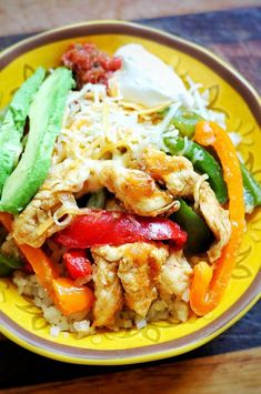 "Chicken Fajita Bowl | ""Low-carb chicken fajita bowl with cauliflower rice."" #dinnerideas #dinnerrecipes #familydinnerideas #supper #supperideas"