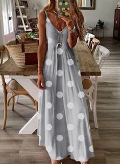 Bohemian Polka Dots Fashion Printing Sleeveless Maxi Dresses – nacyone Source by Dresses Dots Fashion, Fashion Prints, Emo Fashion, Style Fashion, Casual Dresses, Summer Dresses, Maxi Dresses, Sleeveless Dresses, Dress Vestidos