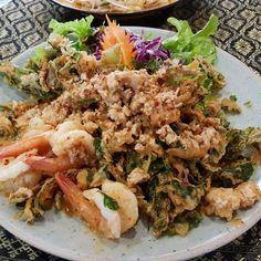 Crispy morning glory salad with tiger prawns & roasted chilli dressing  #tigerprawns#prawns#mince#salad#lunch#thaicuisine#thaisalad#thaifood#asianfood#delicious#lunch#nomnomnom#eeeeeats#food#brisbanefoodie#aussiefoodie#foodie#ilovefood#foodpic#igers#foodpics#foodstagram#igfood#foodgram#instafood#instagood#foodphotography#brisbanefood#brisbanefoodies#brisbaneeats#brisbanedining http://w3food.com/ipost/1523265496189956133/?code=BUjueXvAvAl