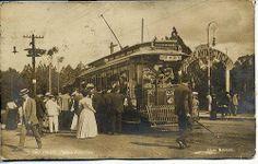 1909 - Parque Antarctica. A Sociedade Esportiva Palmeiras (Palestra Itália) seria fundada somente em 1914 e o que temos na foto, o Parque Antarctica, seria posteriormente adquirido para abrigar a sede do novo clube em 1920. Temos na foto, possivelmente, o que viria a ser a avenida Francisco Matarazzo.