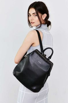 Shop Matt & Nat Vignelli Backpack at Urban Outfitters today. We carry all the latest styles, colors and brands for you to choose from right here. Fashion Bags, Fashion Backpack, Fashion Handbags, Style Hippie Chic, Urban Outfitters, Sacs Design, Minimalist Bag, Minimalist Fashion, Convertible Backpack
