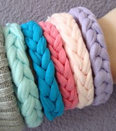 Inspiration - JoAnn's carries Zpagetti (T-Shirt Yarn) now! Yarn Bracelets, Braided Bracelets, T Shirt Bracelet, Knitting Patterns, Crochet Patterns, Cotton Cord, Crochet T Shirts, Diy Braids, Crochet Bracelet