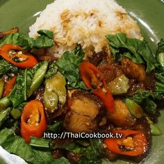 Try this recipe that includes dark sweet soy sauce and crisp, sweet red chilies instead of the usual hot chili. Chinese Broccoli, a dark green leafy vegetable that is similar to kale, and crispy pork Broccoli Recipes, Thai Recipes, Indian Food Recipes, Asian Recipes, Healthy Recipes, Asian Foods, Chinese Recipes, Healthy Food, Roasted Pork Belly Recipe