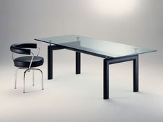 Cassina Dining table
