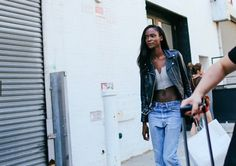 A beautiful girl in NYC (Leila Nda?), photo by Philip Oh   http://www.vogue.com/slideshow/13333732/street-style-new-york-fashion-week-spring-2016-ready-to-wear/?mbid=social_twitter#147