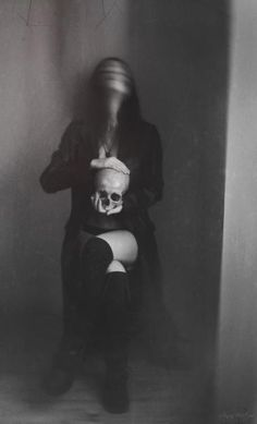 death skulls art Black and White creepy dark Witch Macabre eerie ...