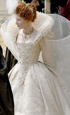 Stunning angle and dress -- Cate Blanchett as Elizabeth