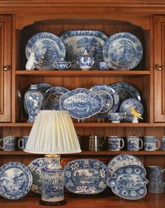 Blue And White China, Blue China, Vintage Plates, Vintage China, White Dishes, Blue Rooms, Kintsugi, Blue Plates, Plates On Wall
