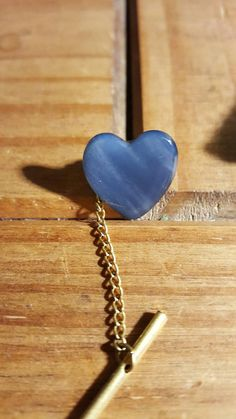 Check out this item in my Etsy shop https://www.etsy.com/uk/listing/386951166/vintage-blue-lapis-lazuli-tie-pin-heart