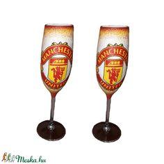 Manchester United  pezsgős 2 db-os pohárszett foci rajongói ajándékl (Biborvarazs) - Meska.hu Football Design, Football Fans, Manchester United Football, Liquor Bottles, Wall Hanger, Champagne, The Unit, Paintings, Mugs