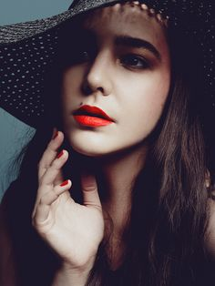 bright red lip  bright red nail