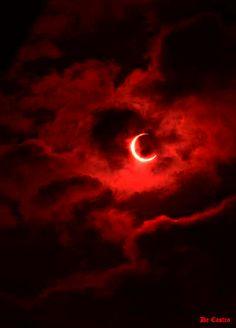 Moon et. Red Aesthetic Grunge, Devil Aesthetic, Gothic Aesthetic, Aesthetic Colors, Bad Girl Aesthetic, Aesthetic Pictures, Aesthetic Iphone Wallpaper, Aesthetic Wallpapers, Red And Black Wallpaper
