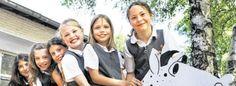 Auch eine Schuluniform gehört oft dazu: Internationale Schulen wie in Heiligenhaus haben ihre Besonderheiten.Foto: Bodo Goeke/WAZ FotoPool