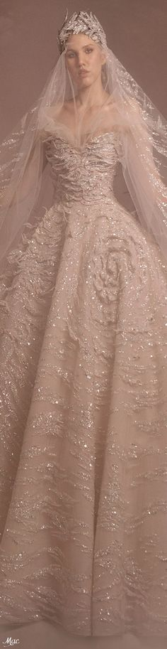Zuhair Murad, Headdress, Light Colors, Catwalk, Ball Gowns, Ready To Wear, Formal Dresses, Spring, How To Wear
