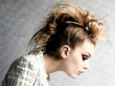 7 #Fantastic Tutorials for a #Perfectly Chic Faux Mohawk ... → #Hair [ more at http://hair.allwomenstalk.com ]  #Hawk #Www #Length #Medium #Shock