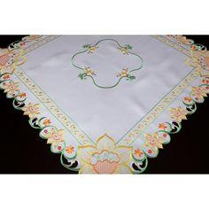 Bílé ubrusy na jídelní stůl | Dumdekorace.cz Napkins, Tableware, Dinnerware, Dishes, Napkin, Porcelain Ceramics