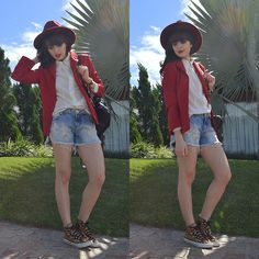 Get this look: http://lb.nu/look/7867440  More looks by Diana Schneider: http://lb.nu/elainspira  Items in this look:  Pink Vanilla Hat, Gdoky Jeans Denim Shorts, Converse Sneaker   #casual #blazer #red #hat #denim #cozy #gdokyjeans #converse #animalprint