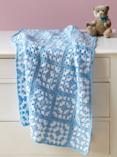 Crochet Baby Blanket - this would look really cute in pink and white too, for a girl.