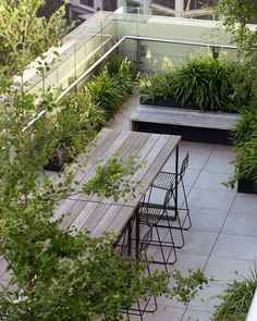 A wild garden in the sky (Desire To Inspire) Sky Landscape, Garden Landscape Design, Landscape Architecture, Garden Landscaping, Sky Garden, Balcony Garden, Mendoza, Outside Plants, Outdoor Rooms