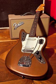 Fender Jazzmaster shoreline gold