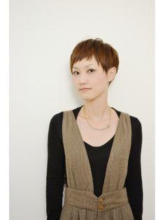 ツーブロックなベリーショート - ヘアスタイル・髪型・ヘアカタログ [キレイスタイル]