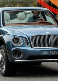 Bentley SUV Exp 9F