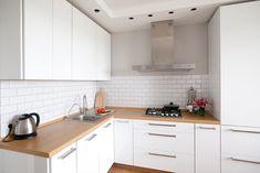 Минималистичная угловая кухня