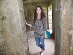 Compass Lane Chic - , summer day, picnic in park, in a cute outfit.