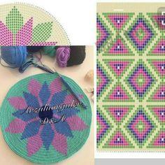뜨개와수다의 만남   BAND Tapestry Crochet Patterns, Crochet Art, Thread Crochet, Crochet Doilies, Cross Stitch Embroidery, Cross Stitch Patterns, Mochila Crochet, Tapestry Bag, Crochet Purses