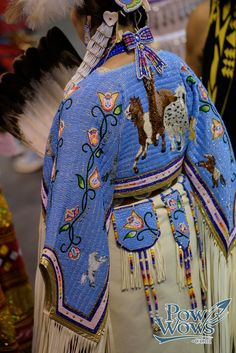 Paul Gowder posted a photo: Native American Regalia, Native American Clothing, Native American Pictures, Native American Artwork, Native American Beadwork, Native American Fashion, Native Fashion, Native Beading Patterns, Powwow Regalia