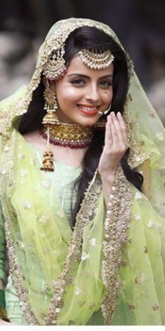 Bridal Hairstyles Indian Weddings Muslim 38 Ideas – - New Site Bridal Hairstyle Indian Wedding, Indian Wedding Outfits, Bridal Outfits, Indian Bridal, Bridal Dresses, Indian Weddings, Wedding Dress, Desi Wedding, Wedding Looks