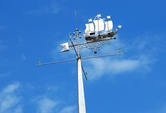 File:Tchaikovsky Weather vane Taganrog.jpg - Wikimedia Commons