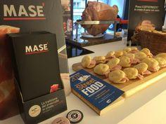 #BeHouse #Milano. Ieri sera Masé assieme agli amici #Specogna #Levi e #Rulliano erano presenti al Be House a Milano per una serata fantastica!    Visita il sito www.cottomase.it e scopri il mondo Masè.  #cottomase #sapori d'#autore dal 1870 #slowfood #streetfood #gamberorosso #tradizione e #gusto #cracco #bastianich #mistaidiludendo #foodporn #Expo2015 #Milano #fiera del #food #eat #eating #italian #italy #ham #made #in #trieste #cotto #mangiato #masterchef #chef