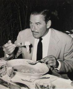 errol flynn/master of thornfield - Bing images Errol Flynn, Star Wars, Man Up, John Wayne, Old Hollywood, Movie Stars, Candid, Vintage Photos, How To Memorize Things