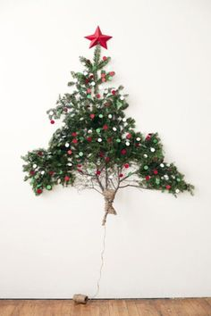 alternative christmas tree - creatieve kerstboom aan de muur
