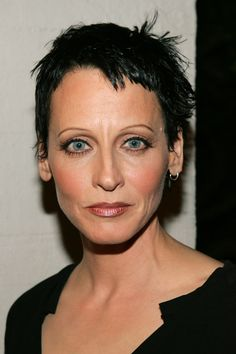 Lori Petty (born October is an American actress and director. Her roles include playing Tyler Endicott in the 1991 film Point Break, Kit Keller in A League of Their Own Short Sassy Hair, Short Pixie, Short Hair Styles, Aubrey Hepburn, Lady Diana Spencer, Tank Girl, Beautiful Celebrities, Beautiful Women, Grow Hair