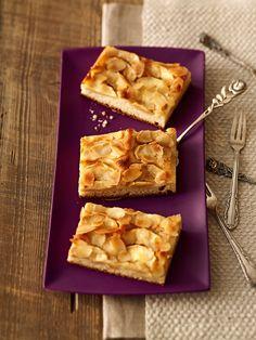 Apfelkuchen mit Zimtbutter: Leckere Zimt-Äpfel auf einem Hefeteig - ein Apfelkuchen zum Kaffee oder Tee