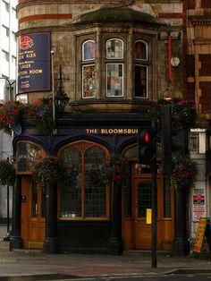 The Bloomesbury Tavern, 236 Shaftsbury Avenue, Bloomesbury, London - photo via jodie