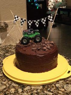 Monster truck birthday cake #MonsterTrucks