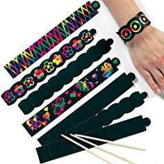 Baker Ross Scratch Art Bracelets (Pack Of For Kids Party Bag Fillers Disco Party, Neon Party, Sgraffito, Art For Kids, Crafts For Kids, Arts And Crafts, Kratz Kunst, Pochette Surprise, Scratchboard Art
