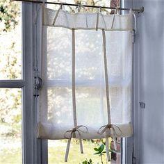 Coqueta cortina totalmente recta