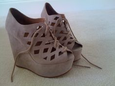 grey suede wedges...want and need.