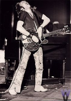 Alvin Lee (Ten Years After) at Woodstock, 1969.  R.I.P.