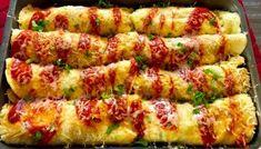 Naleśniki zapiekane z mięsem i warzywami Breakfast Recipes, Dinner Recipes, Mozzarella, Asparagus, Zucchini, Sushi, Sausage, Food And Drink, Meals