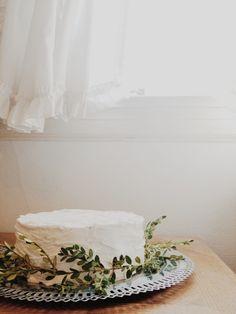 Prettiest white cake.