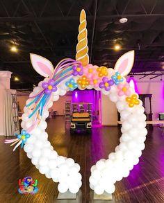 Amo unicornios Unicorn Themed Birthday Party, Birthday Balloons, 1st Birthday Parties, Birthday Party Decorations, Party Photo Frame, Deco Buffet, Unicorn Baby Shower, Balloon Decorations, First Birthdays