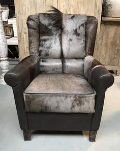 Genial Special Armchair Made Of Leather Combined With Wild Animal Skin.   Seats  Furniture   De