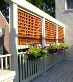 9 DIY Deck Railing Ideas & Designs That Are Sure to Inspire You #DeckRailingIdeas #DeckIdeas #RailingIdeas Garden Privacy Screen, Outdoor Privacy, Privacy Walls, Backyard Privacy, Small Backyard Landscaping, Backyard Patio, Outdoor Decor, Landscaping Ideas, Balcony Privacy