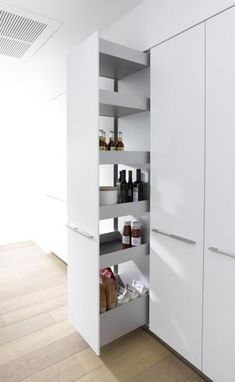 Trendy kitchen pantry cabinet organisation pull out shelves Kitchen Pantry Cupboard, Cupboard Shelves, Kitchen Organization Pantry, New Kitchen, Kitchen Storage, Bar Shelves, Pantry Ideas, Larder Storage, Kitchen Cabinets