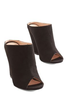 Strut About Town Wedge in Black, @ModCloth. I really,  really want these. Ugh. Sigh.